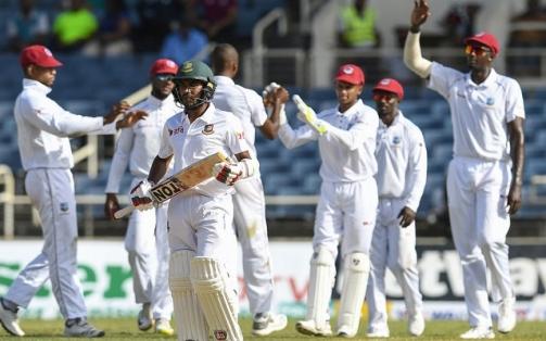 বাংলাদেশ প্রথম টেস্টে ১৯৩ রান করেছে সেশ পর্যন্ত ৫ উইকেট হারিয়ে