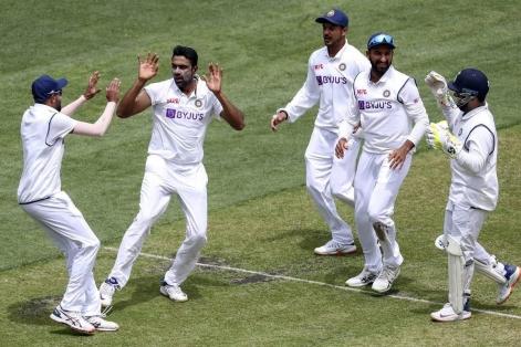 দ্বিতীয় টেস্টে দারুণ জয়ে সিরিজে সমতায় ফিরল ভারত